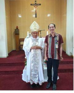 Ketua Perdhaki KA Pontianak bersama Uskup